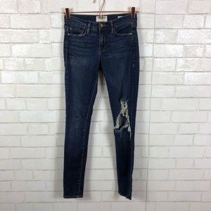 FRAME Le Skinny de Jeanne in Stellar Skinny Jeans